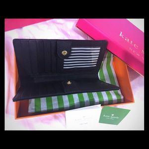 Handbags - New with tag —kate spade wallet